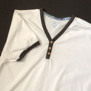 T- Shirt with Brown Trim.
